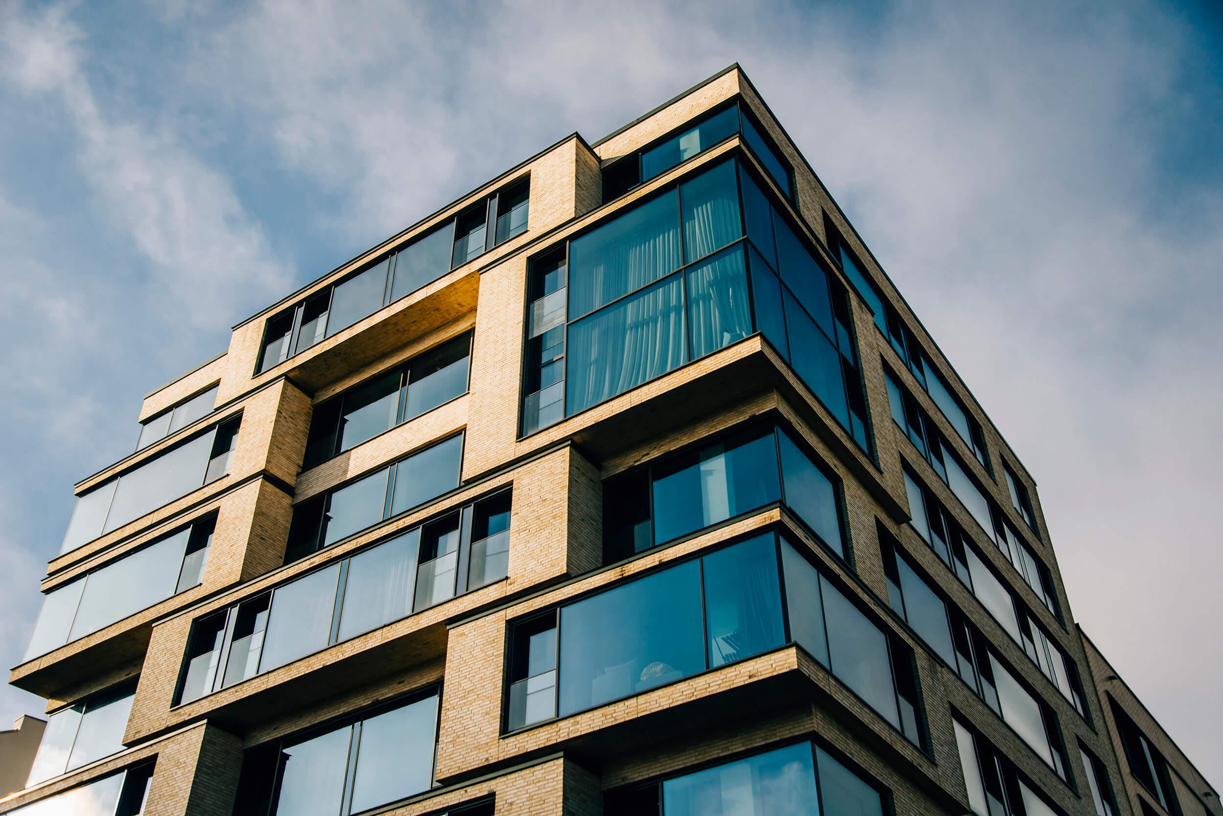 Bild eines Wohngebäudes aus spitzem winkel von der AMS Groupe